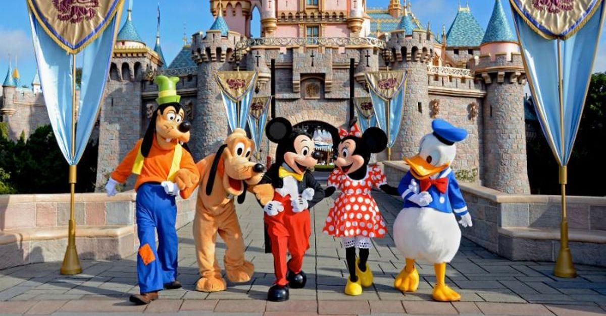 엄청 엄격하다는 '디즈니 랜드' 직원들이 지켜야 할 규칙