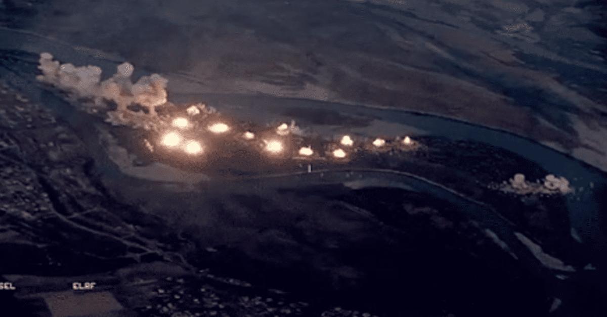 IS가 숨어들어 안보이자 섬 전체를 폭격한 미군